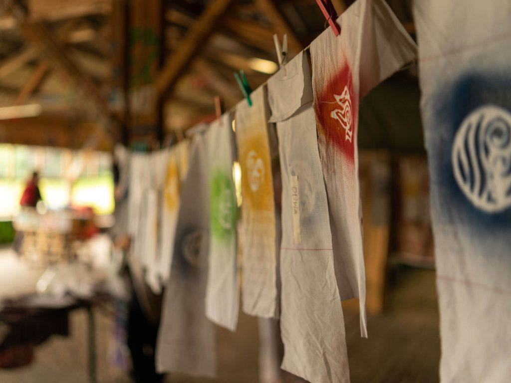 Budo das bunte dorf batik projektwochen projekttage schulprojektwochen schullandwochen freiraum vinzenz mueller