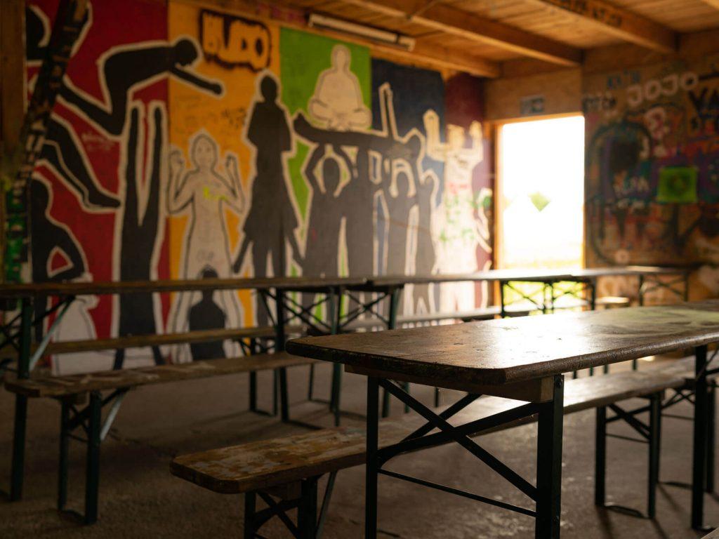 Budo das bunte dorf innenraum graffiti projektwochen projekttage schulprojektwochen schullandwochen freiraum vinzenz mueller