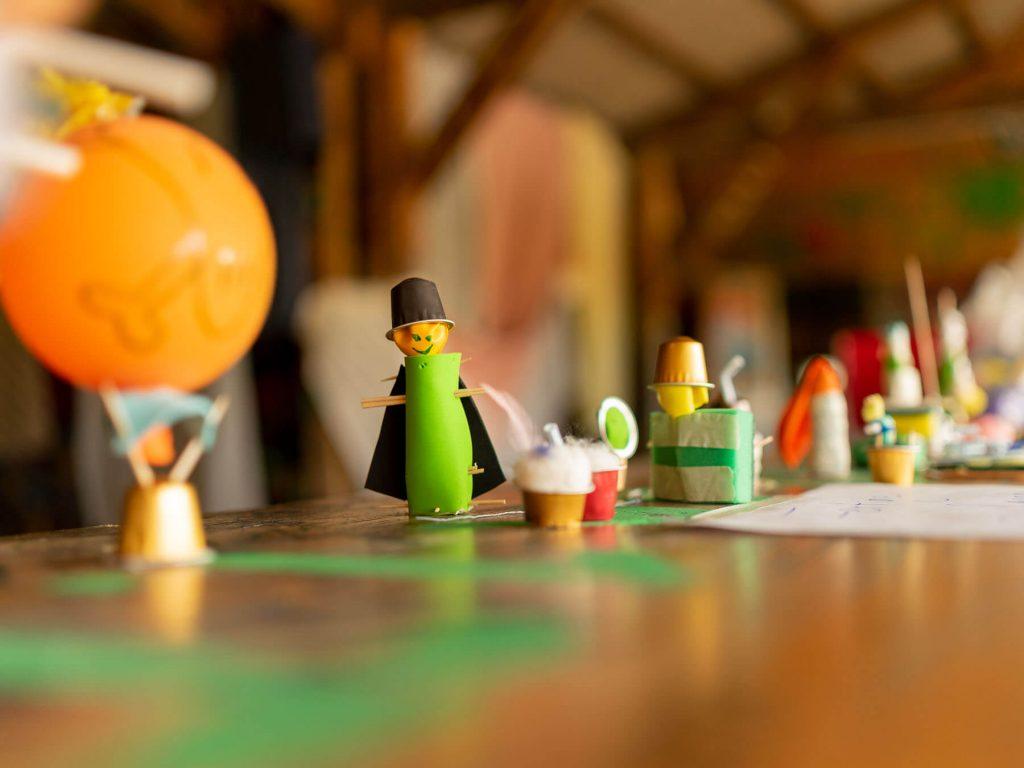 Budo das bunte dorf kreativ figuren projektwochen projekttage schulprojektwochen schullandwochen freiraum vinzenz mueller